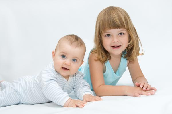 ویژگی های فرزند اول و فرزند آخر + تفاوت های فرزند اول و آخر