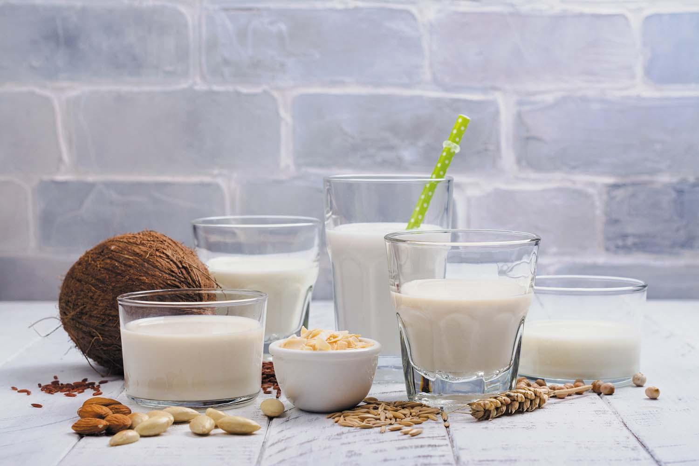 خوردن شیر زیاد