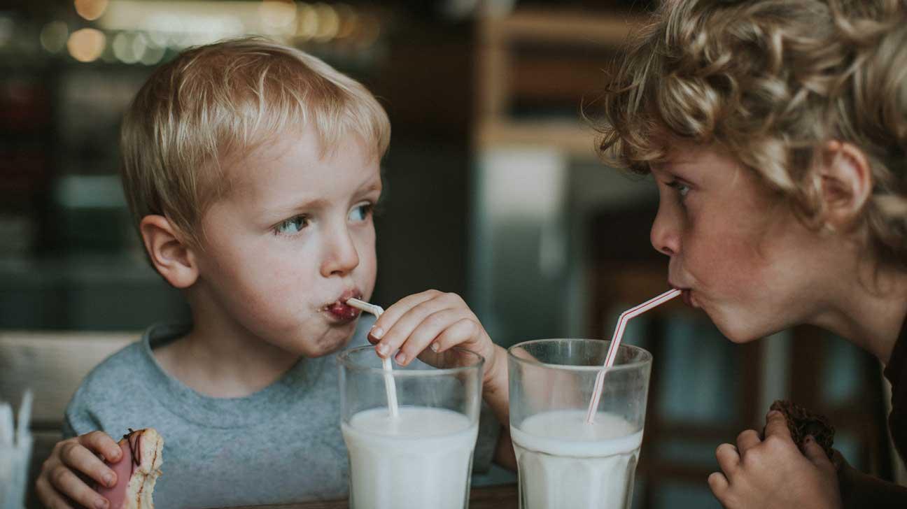 فایده شیر برای استخوان و بدن