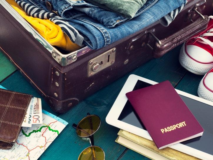 luggage or baggage 2186 333bcae9593e6aa325ebacf8dfd22d9e@1x min » مجله اینترنتی کوشا » تعبیر خواب چمدان : انواع دیدن چمدان در خواب 2
